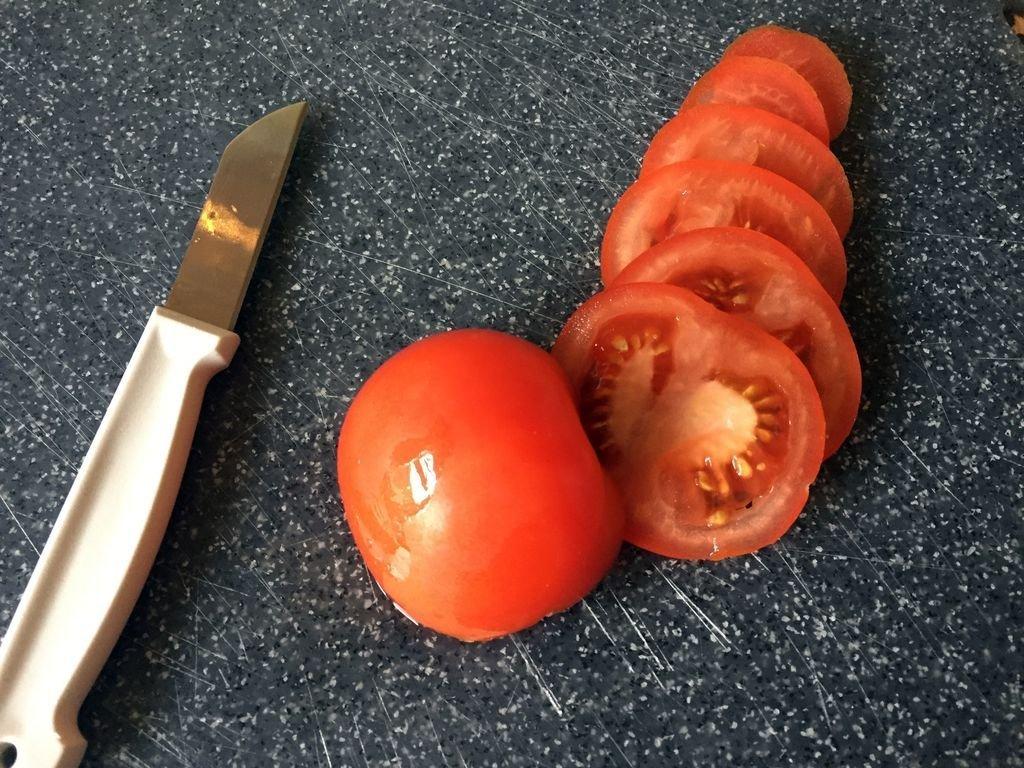 recept tosti met pesto en tomaat